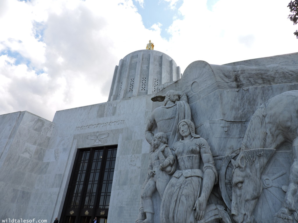 Oregon-California Road Trip: Oregon State Capitol in Salem | WildTalesof.com