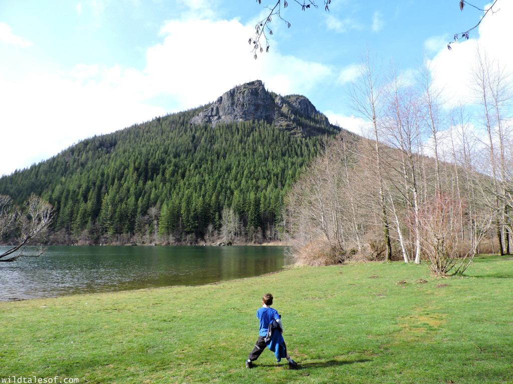 Hiking with Kids: Seattle Area Hikes with Viewpoints--Rattlesnake Ledge | WildTalesof.com